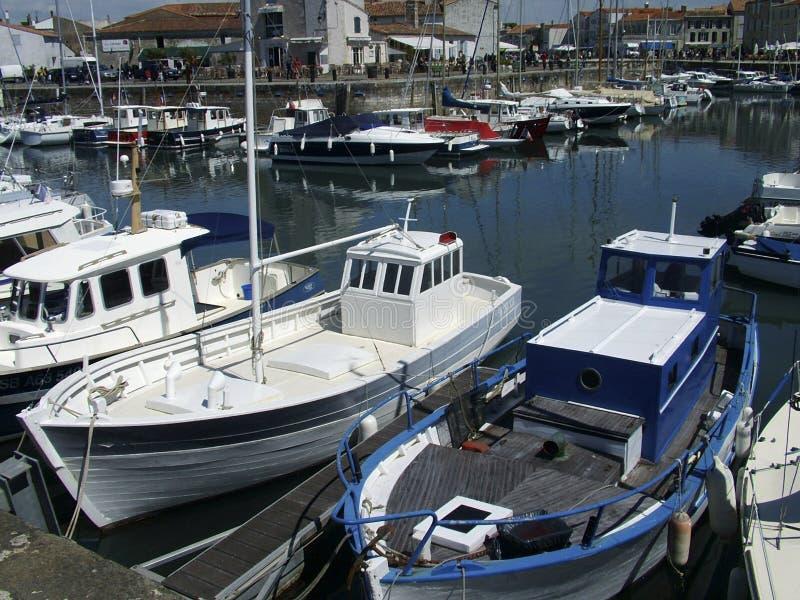 Abrigúese e ile de Re Francia de los barcos de pesca imágenes de archivo libres de regalías