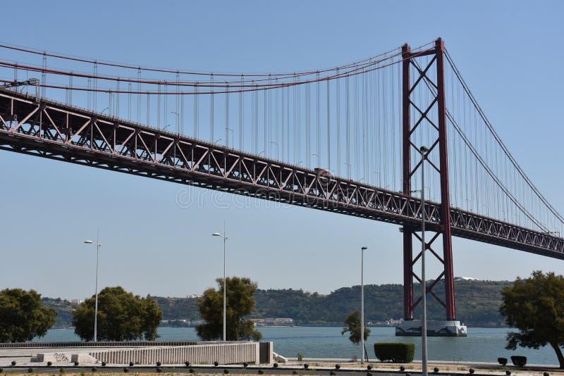 Download Abril Bro över Tagus I Lissabon, Portugal Arkivfoto - Bild av teknik, europa: 76702584