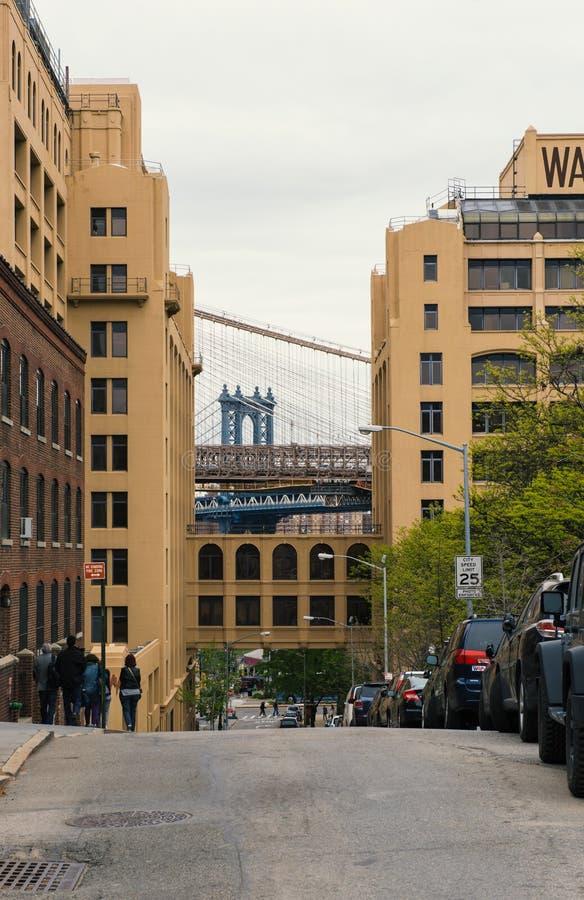 Abruti à Brooklyn avec la section du pont de Manhattan photographie stock