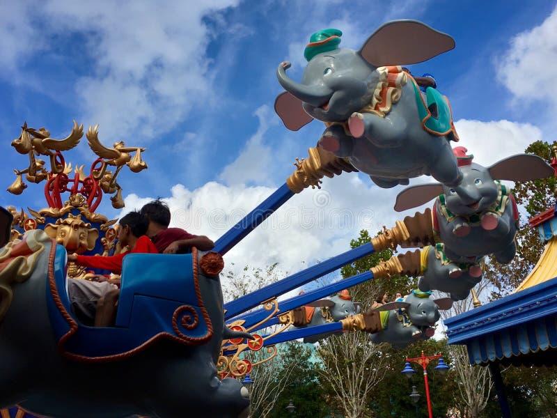 Abruti l'éléphant de vol image libre de droits