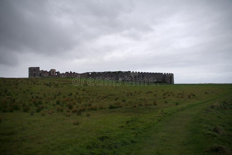 Abschüssiger Demesne eine alte Ruine lizenzfreies stockbild