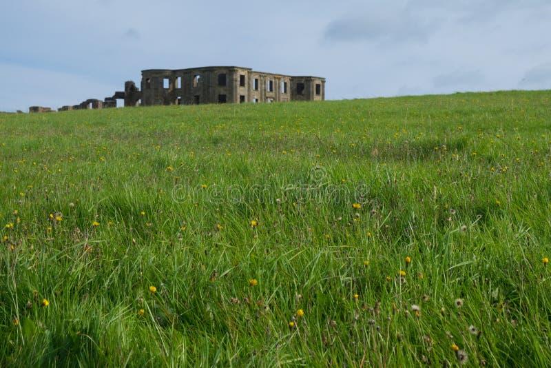 Abschüssiges Haus, Nordirland stockfoto