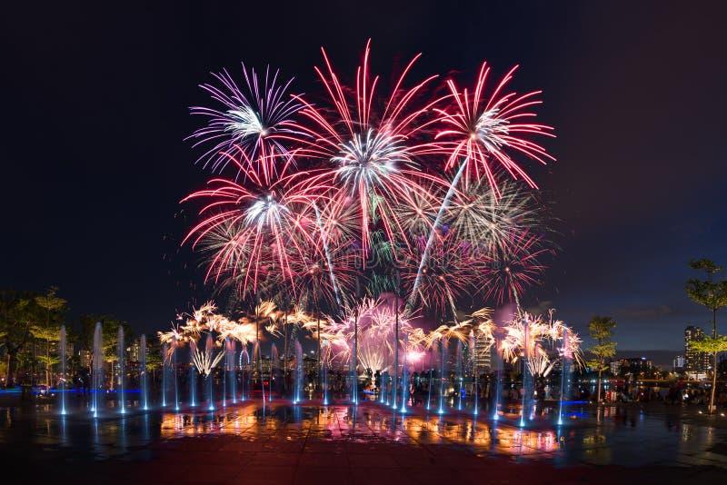Abschließende Vorschau Singapurs NDP von Feuerwerk 2016 stockbild