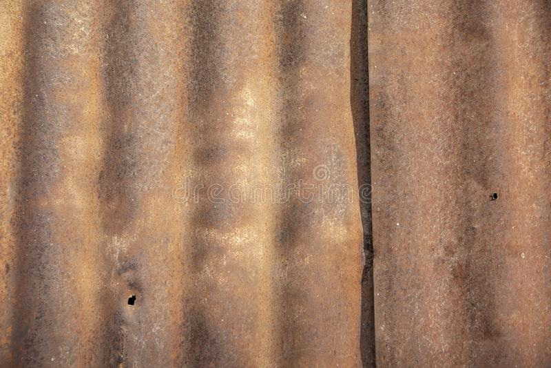Abschluss herauf alten rostigen galvanisierten Zinkblechhintergrund lizenzfreies stockbild