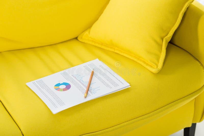Abschluss herauf Ansicht des Bleistifts und der Papiere lizenzfreies stockfoto