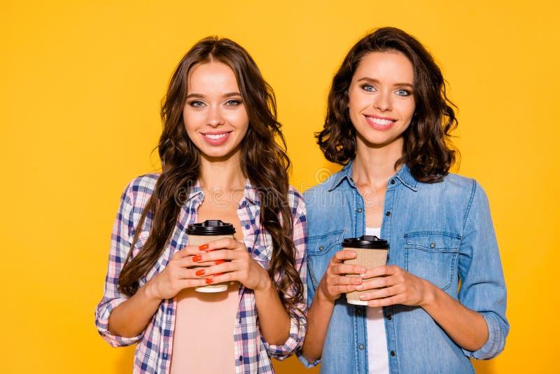 Abschluss herauf träumerische reizend Damen des Fototraums haben wegzunehmen, Caféwochenendenfreizeitfeiertags-Sommerinhalt her stockbild