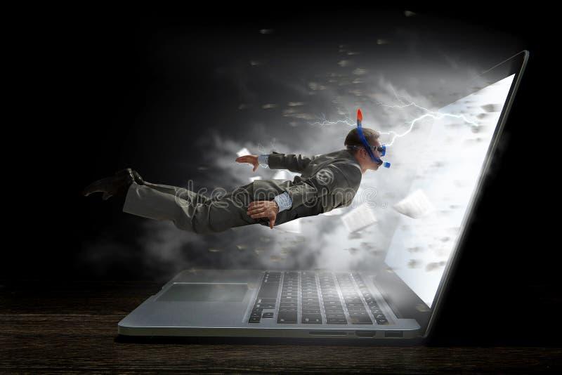 Absorbiert durch Arbeit oder Technologien Gemischte Medien lizenzfreies stockbild