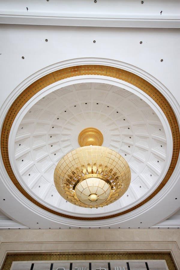 Absorbuje kopuły światło na suficie obrazy stock