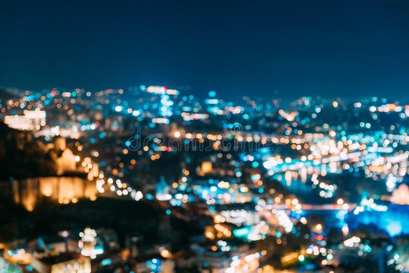 Absract borrou o contexto urbano arquitetónico de Bokeh de Tbilisi, Geórgia Fundo colorido borrado real de Bokeh com fotografia de stock royalty free
