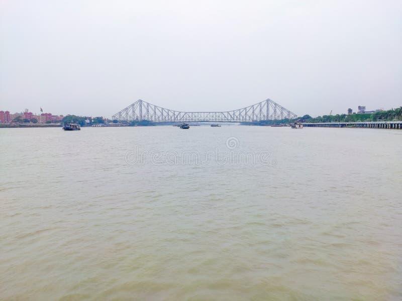 Abstandsansicht von Howrah-Brücke stockfoto