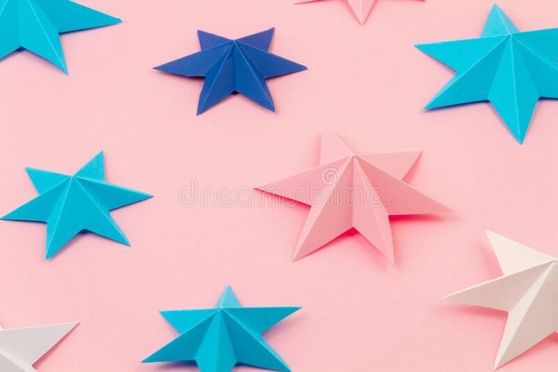 MAKE FROEBEL (AKA GERMAN OR NORDIC) PAPER STARS DECORATIONS THIS ... | 533x800
