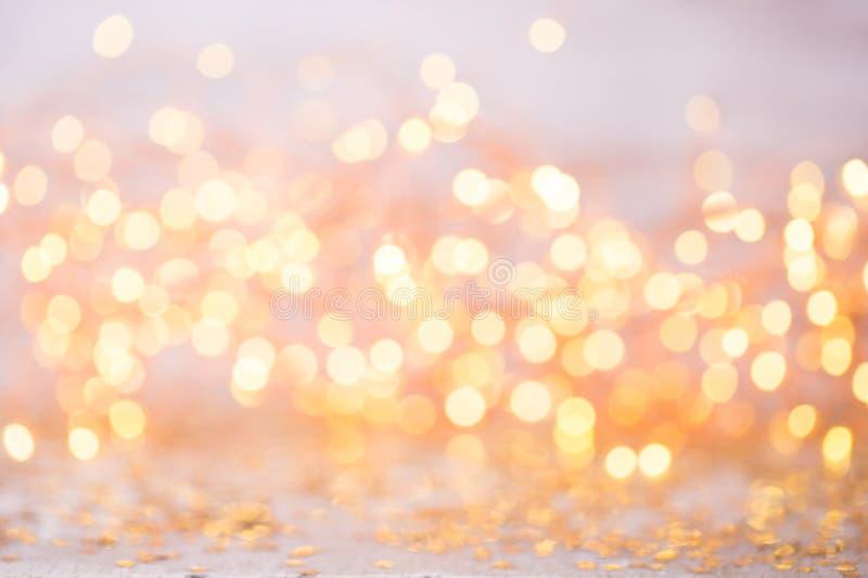 Abstract goud bokeh Kerstmis en de Nieuwe achtergrond van het jaarthema stock afbeelding