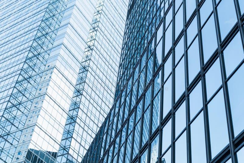 Abstract modern bedrijfsarchitectuurfragment stock foto's