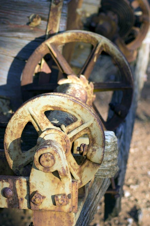 Abstract neem uitstekende landbouwbedrijfmachines over stock fotografie