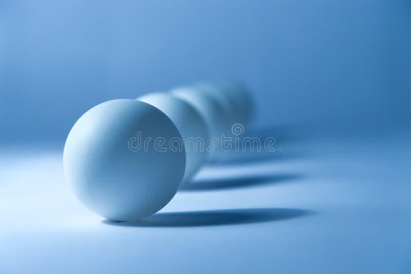 Abstract stilleven met kleine ballen stock foto