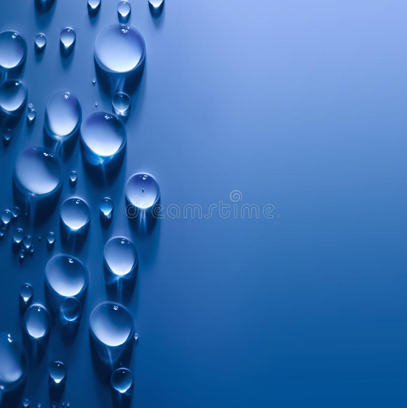 Free Abstract Water Drops Background With Beautiful Light Royalty Free Stock Images - 31913029