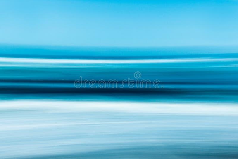 Abstract zeegezicht in heldere blauwe kleuren stock afbeelding