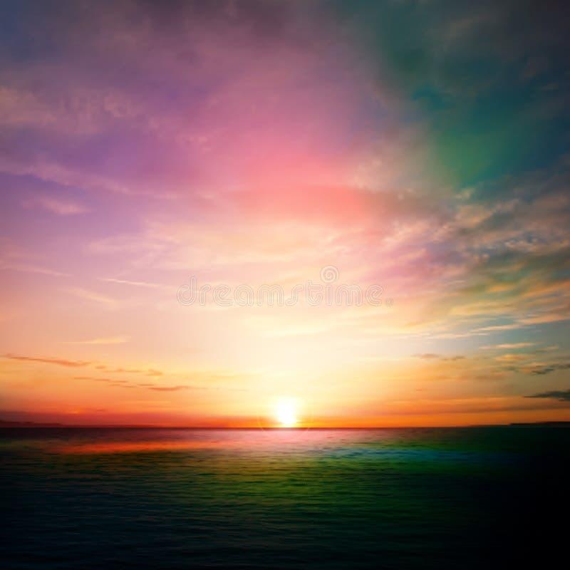 Abstracte aardachtergrond met zonsondergang en wolken vector illustratie