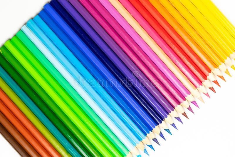 Abstracte achtergrond van kleurenpotloden Lijn van kleurpotloden stock foto