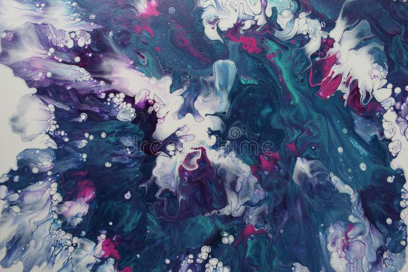 Abstracte acryl giet het schilderen die op een verpletterende storm op zee lijkt royalty-vrije stock afbeeldingen
