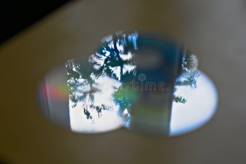 Abstracte bezinningen over compact-discs royalty-vrije stock afbeeldingen