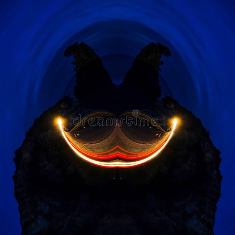 Abstracte futuristische grafische het kunstwerk ober diep blauwe achtergrond van de gezichtsglimlach, het donkere gezicht van de  royalty-vrije stock fotografie