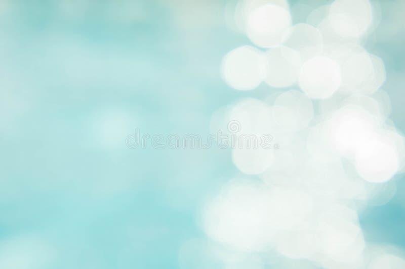 Abstracte groenachtig blauwe onduidelijk beeldachtergrond, behang blauwe golf met s royalty-vrije stock afbeelding