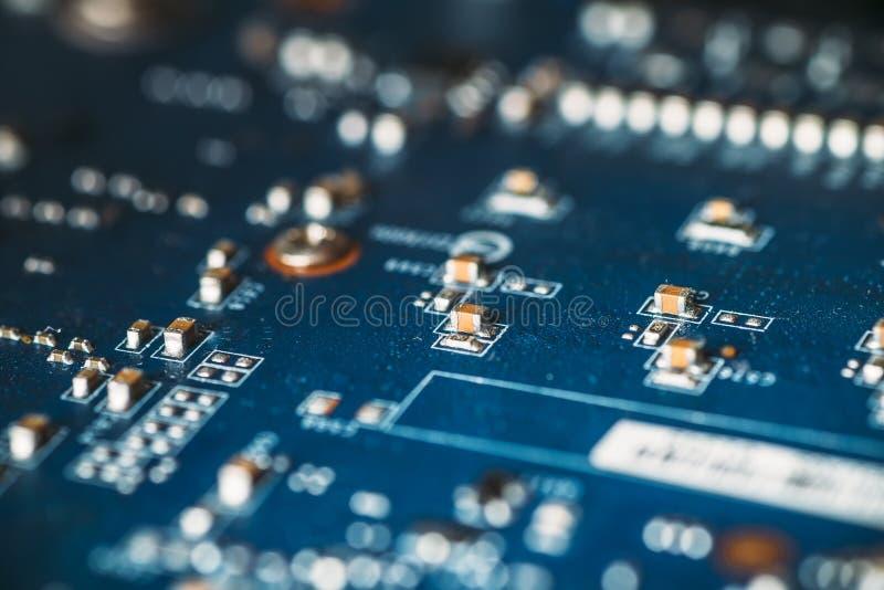 Abstracte high-tech achtergrond - hardware digitale spaander of gedrukte kringsraad, selectieve nadruk stock afbeelding