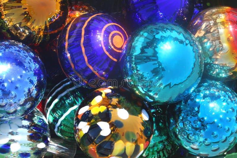 Abstracte kleurrijke luxeballen als decoratie stock afbeelding