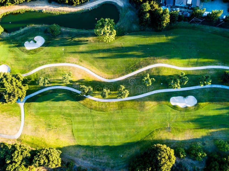 Abstracte luchtfoto van golfcursus royalty-vrije stock afbeelding