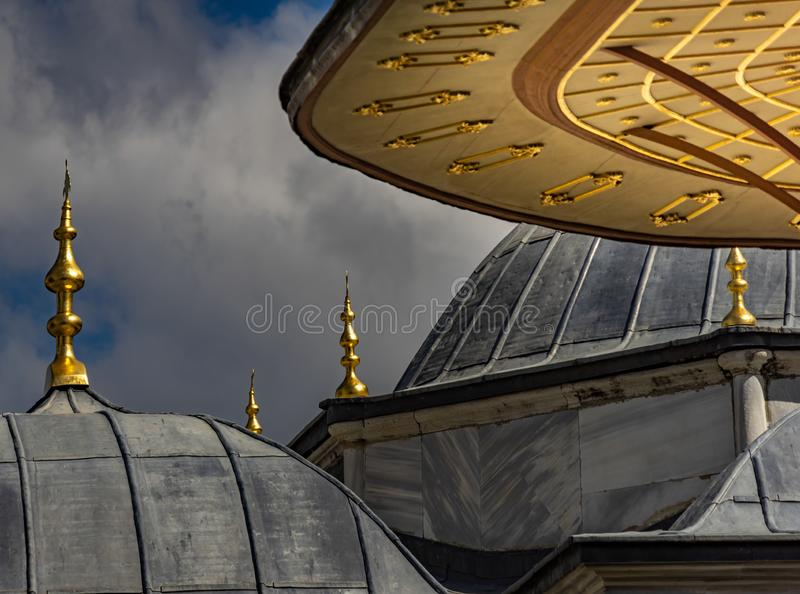 Abstracte regeling van daken van de gebouwen in het Topkapi-Paleis in Istanboel, Turkije royalty-vrije stock fotografie