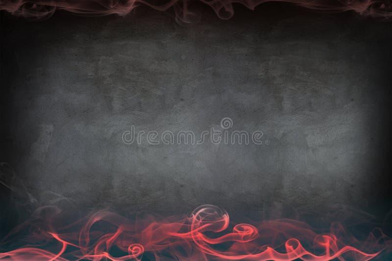 Abstracte rode rook op de grijze muur royalty-vrije stock fotografie