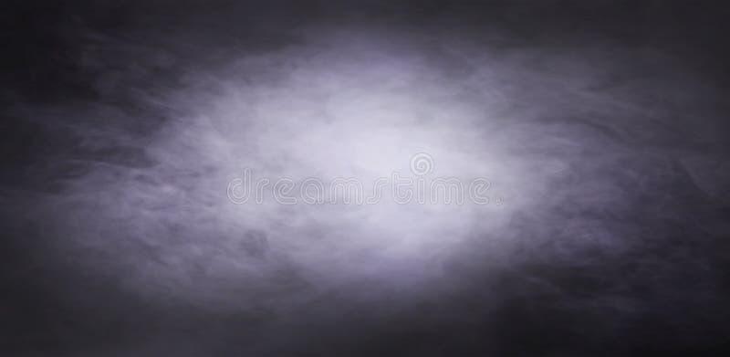 Abstracte rooktextuur over zwarte achtergrond Mist in de duisternis stock foto's