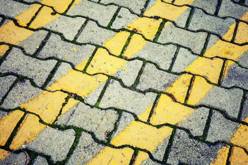 Abstracte stedelijke textuur als achtergrond Geel lijnenpatroon royalty-vrije stock foto's