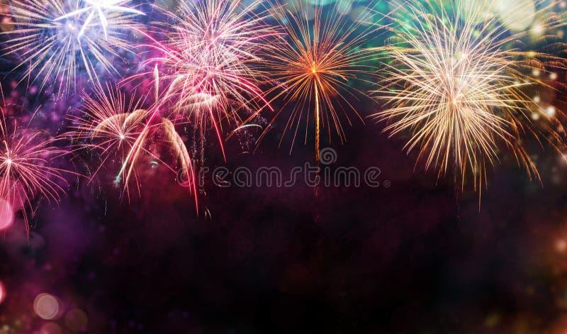 Abstracte vuurwerkachtergrond met vrije ruimte voor tekst stock afbeeldingen