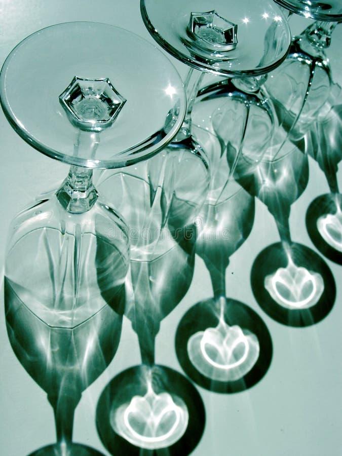 Abstracte wijnglazen stock afbeeldingen