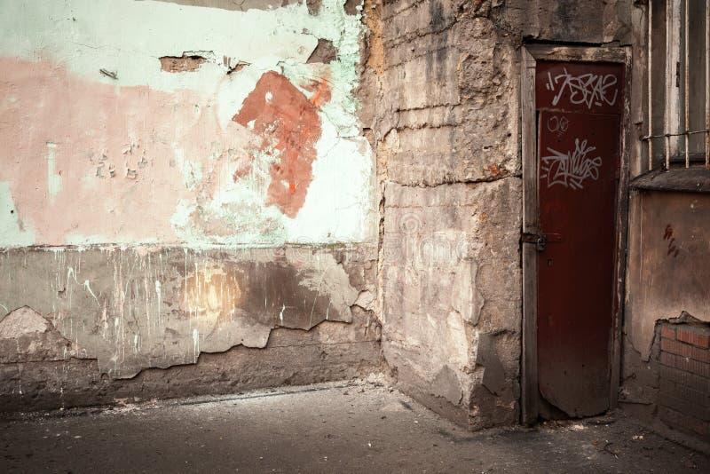 Abstracto vacie el fragmento interior urbano abandonado fotografía de archivo
