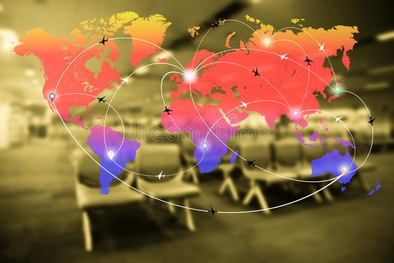 Abstraia o interior borrado do terminal de aeroporto com o mapa do mundo do fli fotografia de stock royalty free