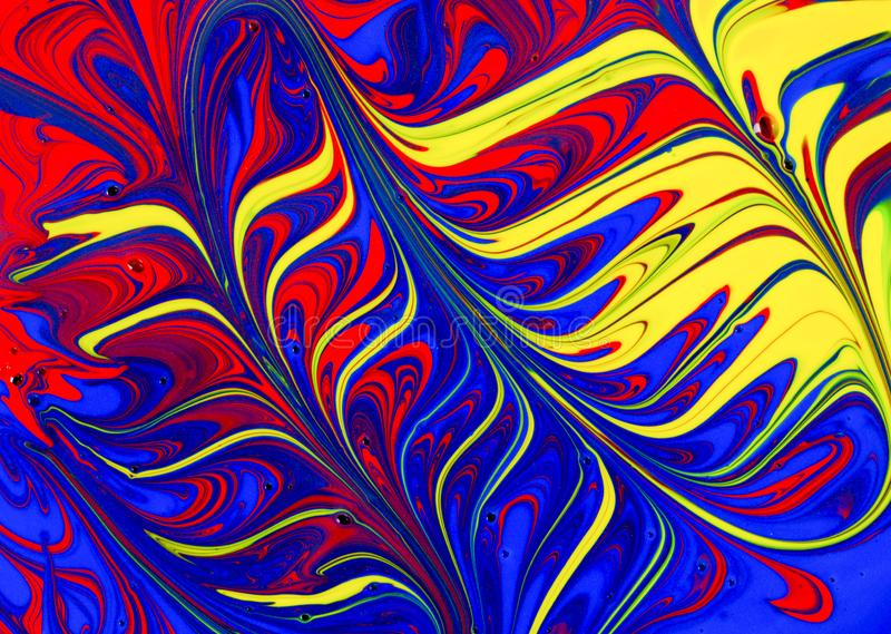 Abstrakcjonistyczna czerwień, kolor żółty i błękitni farba zawijasy, royalty ilustracja