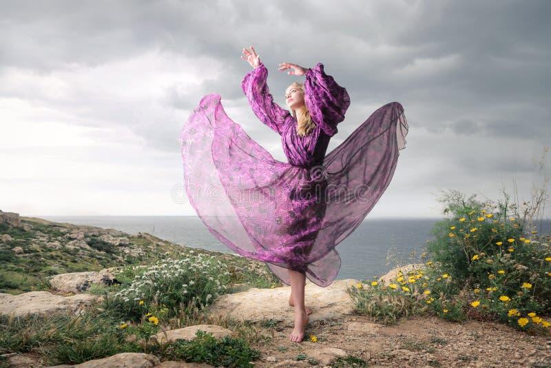 abstrakcjonistyczna dancingowa ilustraci inc kobieta fotografia stock