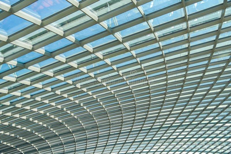 Abstrakcjonistyczna stalowej struktury szkła fasada fotografia stock