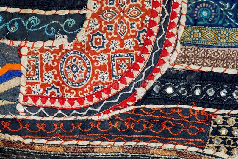 Abstrakcjonistyczne linie retro patchwork na starym bawełnianym handmade dywanie Wzory rocznik koc powierzchnia z kwiatami obrazy royalty free