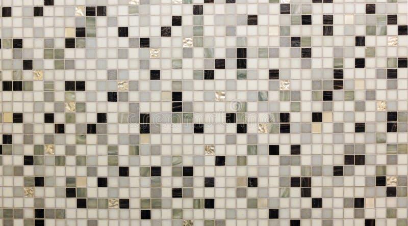 Abstrakcjonistyczny Błyszczący podłoga płytki szkło w Monotone mieszanki czerni bielu mozaiki Popielatego kwadrata tła Bezszwowej zdjęcie stock