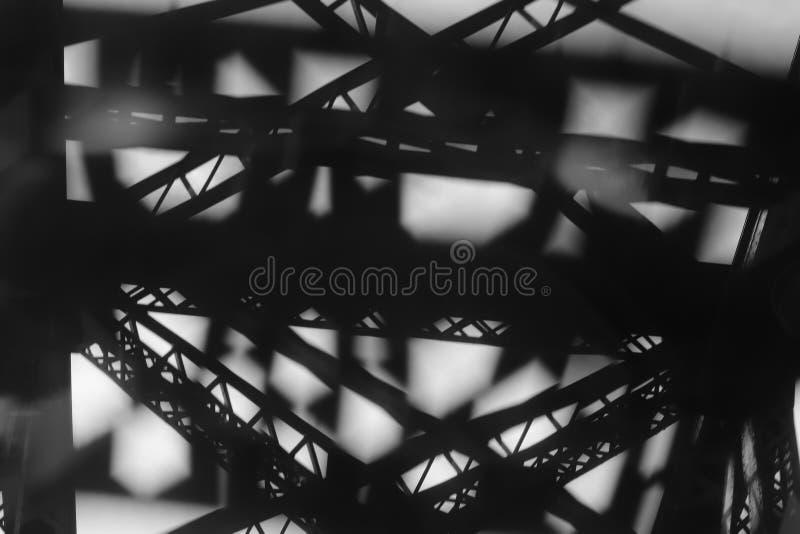 Abstrakcjonistyczny czarny i biały architektoniczny szczegół stalowy most zdjęcie stock