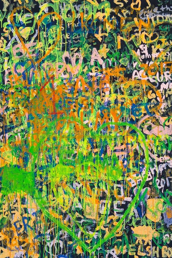 Abstrakcjonistyczny grunge kolaż listu tło rysujący na ścianie tekstura i obraz stock