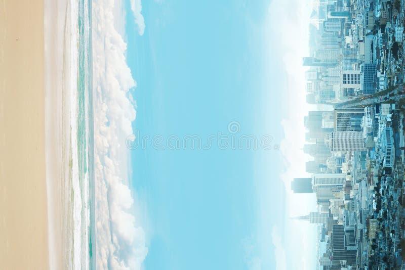 Abstrakcjonistyczny miasto i plaża zdjęcie royalty free