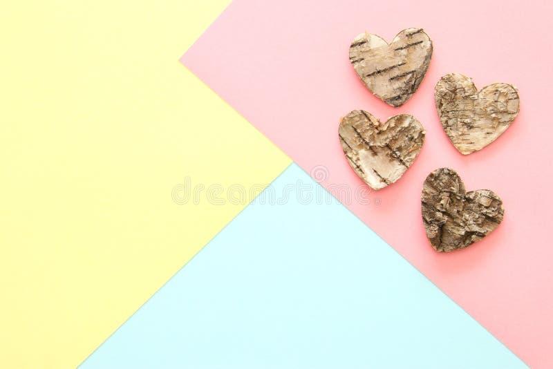 Abstrakcjonistyczny pastel barwiąca papierowa tekstura Minimalni geometryczni kształty i linie modny projekta pojęcie drewniani s zdjęcie stock