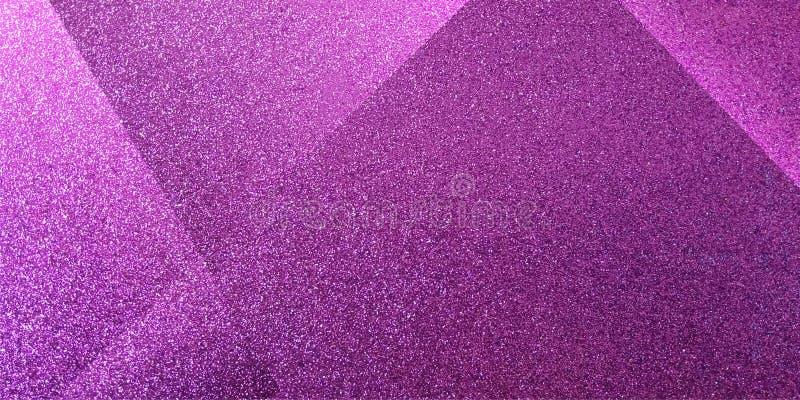 Abstrakcjonistyczny purpurowy tło cieniący paskował wzór i bloki w diagonalnych liniach z rocznik purpur teksturą zdjęcie stock