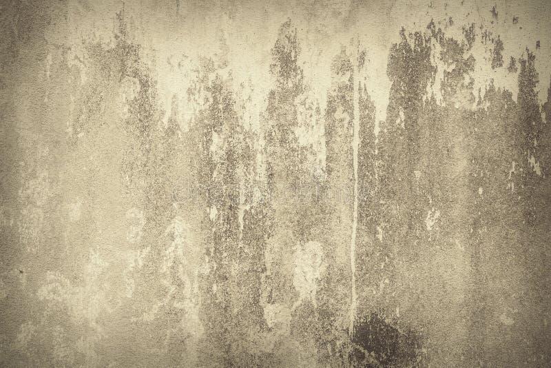 Abstrakcjonistyczny tło, stara brąz farba na ścianie obrazy royalty free