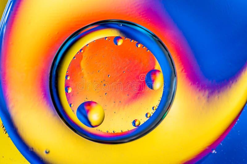 Abstrakcjonistyczny tło z kolorowymi gradientowymi kolorami Olej opuszcza w wodnym abstrakcjonistycznym psychodelicznym deseniowy fotografia royalty free